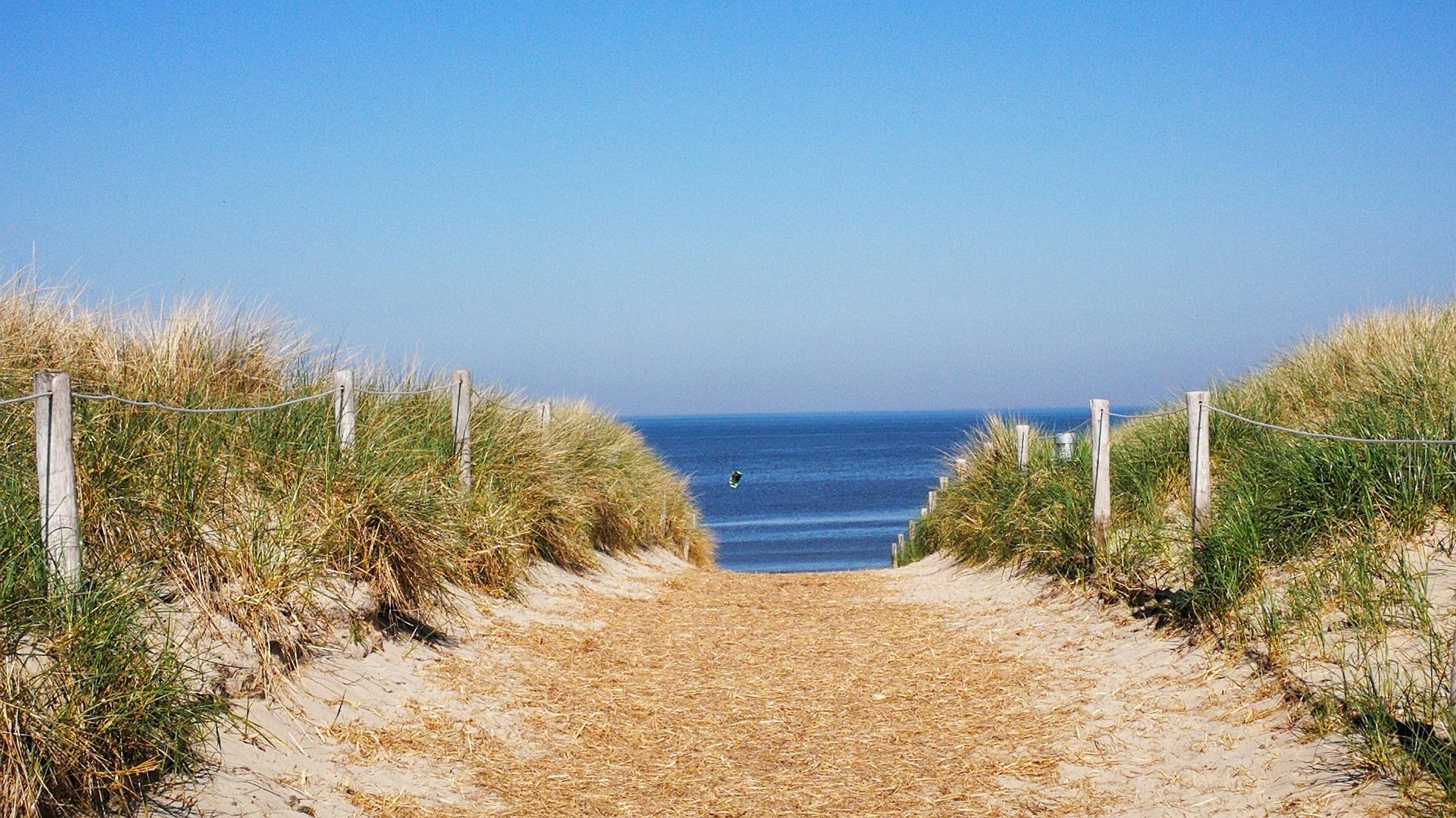 beach-access-3405274_1920